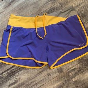 Nike dry-fit Livestrong running shorts sz medium